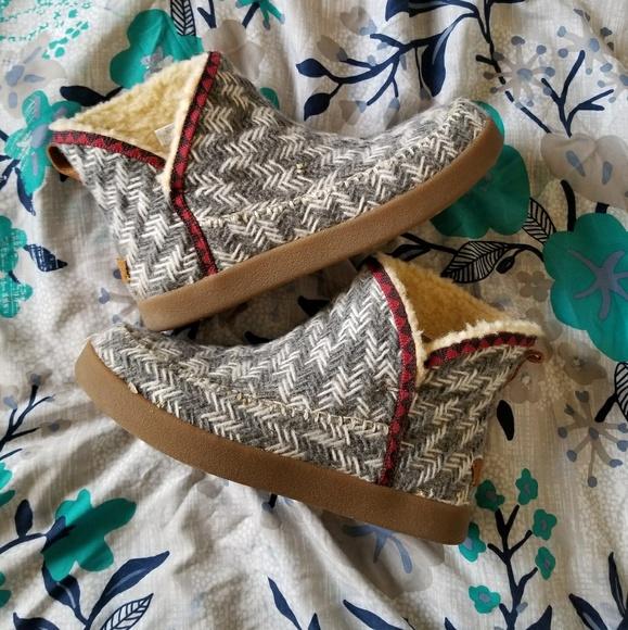 Sanuk Shoes - Sanuk Booties